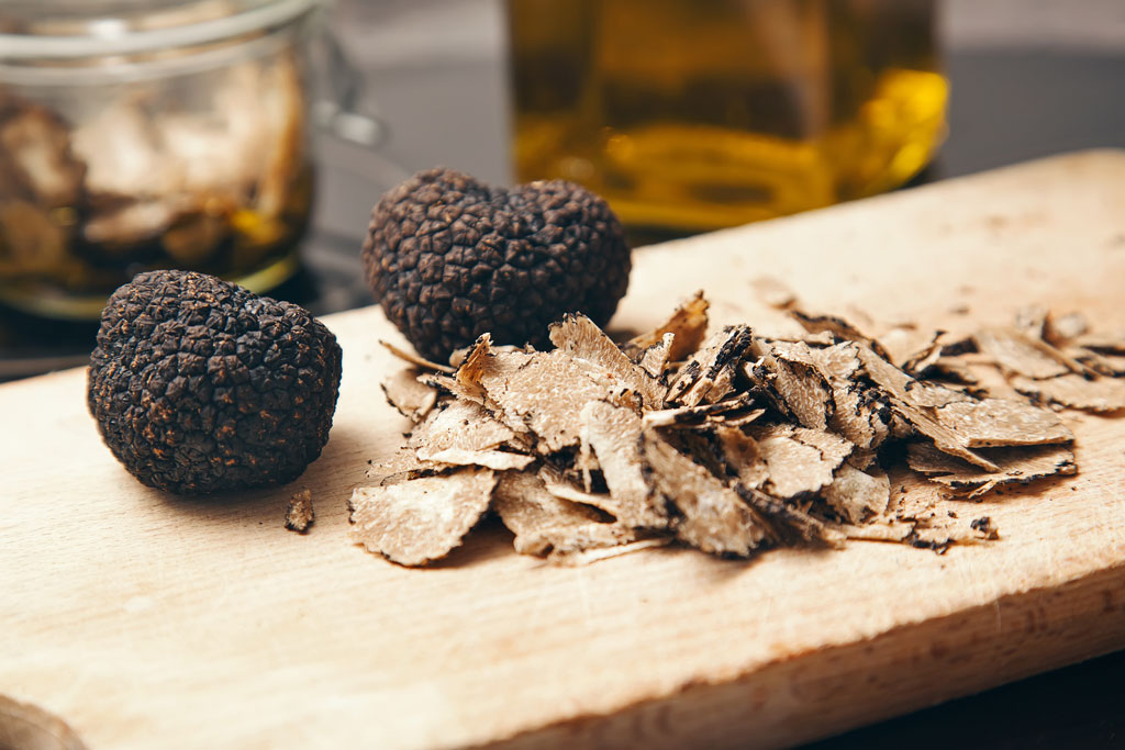 Truffles for salad