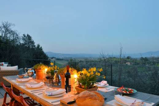 La Ciambella - The villa offers weeping views and complete privacy within walking distance of shops and a restaurant.