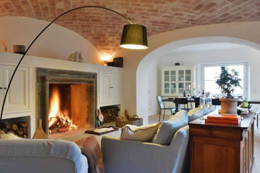 La Ciambella - The ground floor with vaulted brick ceilings.