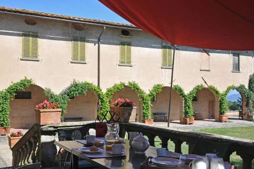 Villa di Bonorlo - Terrace which is a the back of the manor with pergola for alfresco dining.