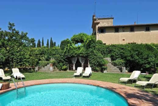 Villa di Bonorlo - The swimming pool area is gated and adjacent to the house.