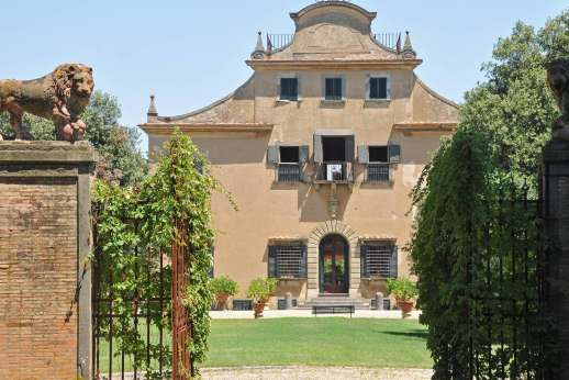 Villa di Bonorlo - The original entry to the Manor.