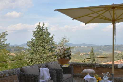 Villa di Bonorlo - Terrace for relaxing and enjoying some of the prettiest views from Florence all the way to the Apennines and towards the coast.