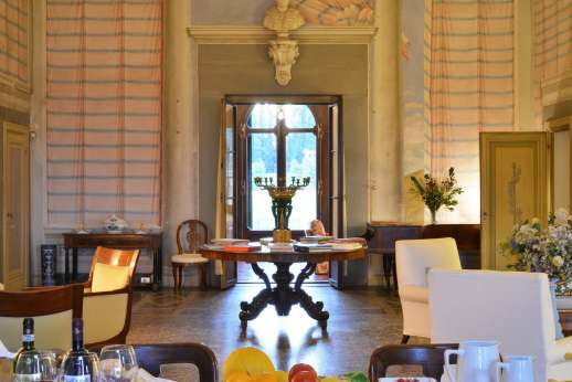 Villa di Bonorlo - Luminous and spacious, the house is centered around this large living room.