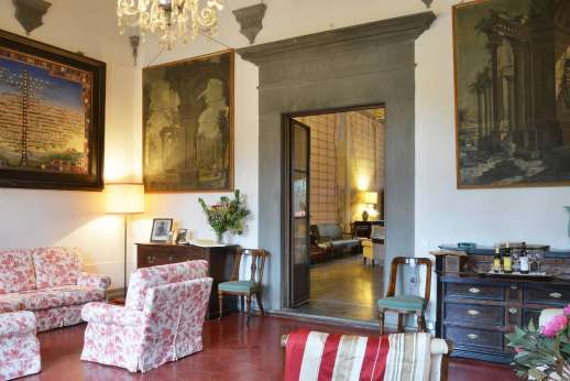 Villa di Bonorlo - Sitting room accessible from the living room.