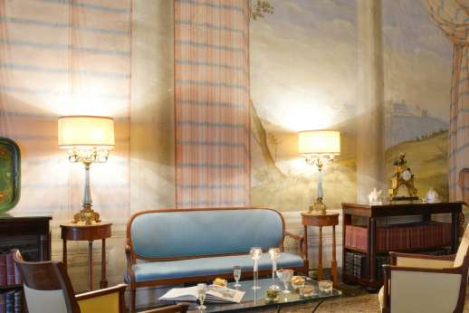 Villa di Bonorlo - High quality furniture and antiques adorn this lovely space.