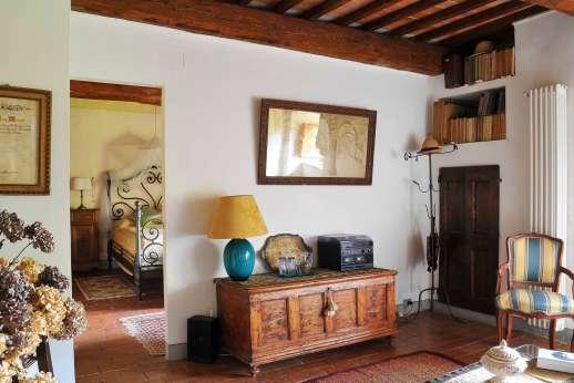 Casa Grazia - Leading in to a double bedroom.
