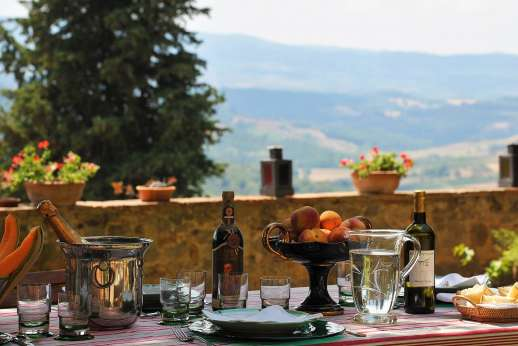 Casa Grazia - Dining Tuscan style, al fresco and surrounded by soulful views.