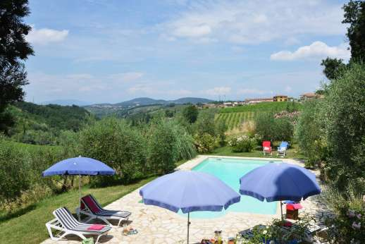 Il Giogo - The 6 x 12m/20 x 39 feet swimming pool, is set in a grove about 40m/50 yards from the house.
