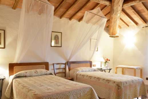 Il Giogo - Second twin bedroom on the first floor.