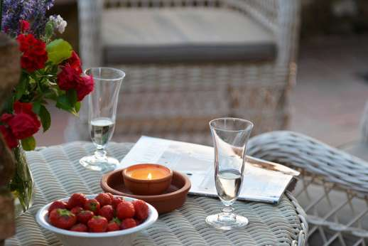Il Giogo - Relax with a prosecco or fine white wine while admiring the view.