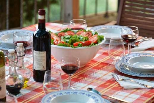 Il Giogo - Enjoy the culinary delights of Tuscany.