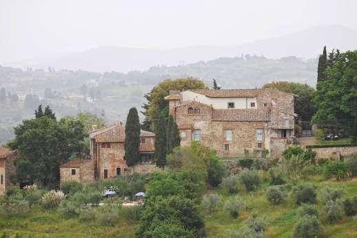 Il Giogo - Il Giogo, delightful 17C stone farmhouse in Western Chianti, with exceptional views.