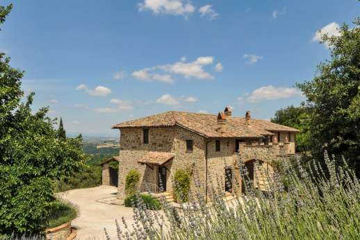 Il Nestorello - Stunning view of Il Nestorello and surrounding countryside.