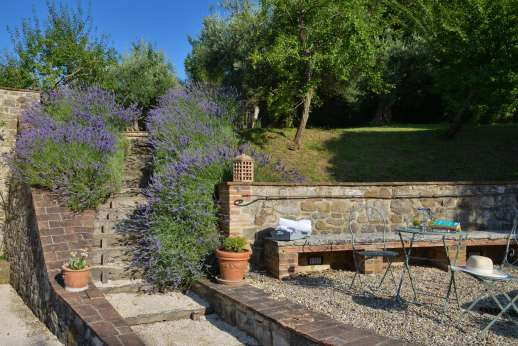 Il Nestorello - A beautifully relaxing villa with outside seating and lavender gardens