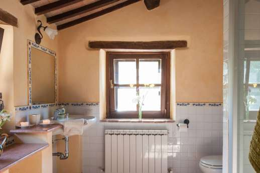 Il Nestorello - En suite bathroom.