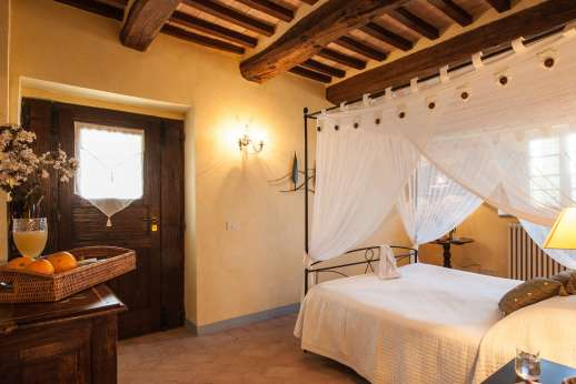 Il Nestorello - The Margherita room with en suite bathroom.