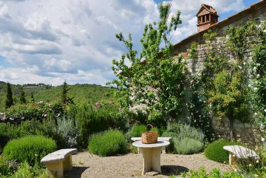 Il Trebbio - A lovely part of the well kept garden.