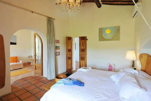 Il Trebbio - Air conditioned master bedroom, first floor.