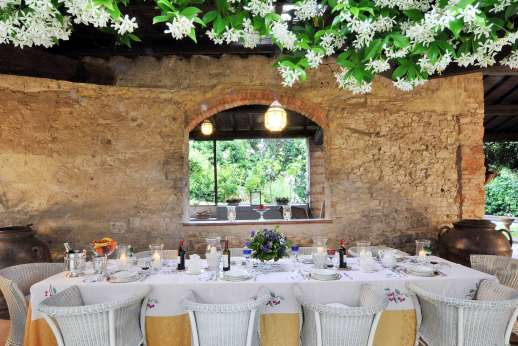 Villa di Citille - Dining loggia set for formal meal