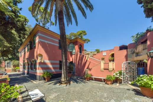 Villa Paraggi - the large terrace and th villa