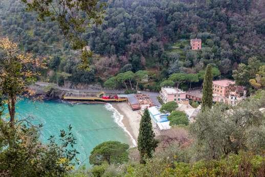 Villa Paraggi - Mediterranean seas lapping the tuscan coast