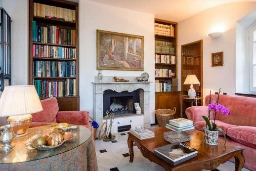 Villa Paraggi - Villa ParaggiGround floor sitting room with fireplace.