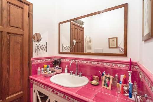 Villa Paraggi - en-suite bathroom