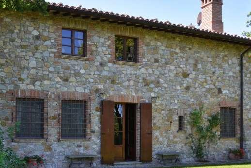 Poggitello - Poggitello is a traditional stone farmhouse nestled into a lovely hollow in the hills near Fabro.
