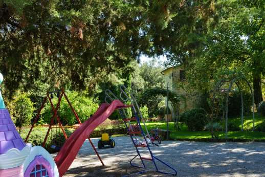 Podere Santa Giulia  - The children's play area.
