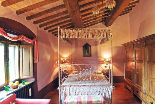 Podere Santa Giulia  - Another view of the mater bedroom.