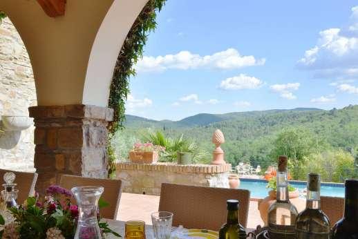 Tenuta il Poggio - Views while dining al fresco.