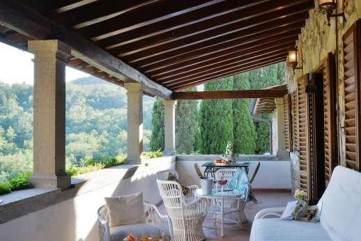 Tenuta il Poggio - The first floor loggia.