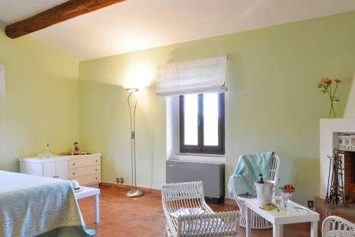 Tenuta il Poggio - Another view of the double bedroom.