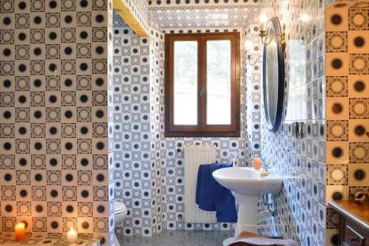 Tenuta il Poggio - Another of the bathrooms.