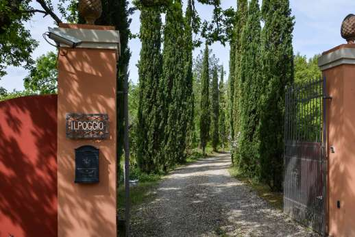 Tenuta il Poggio - The entrance to the villa!