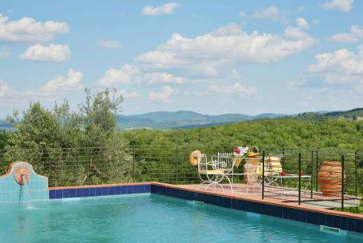 Tenuta il Poggio - Tenuta Il Poggio offers fantastic indoor and outdoor living space.