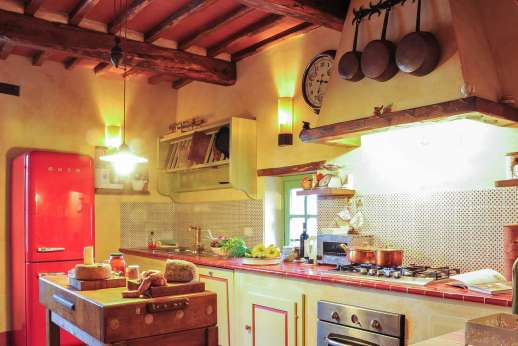 Villa Ambra - A well equipped kitchen.