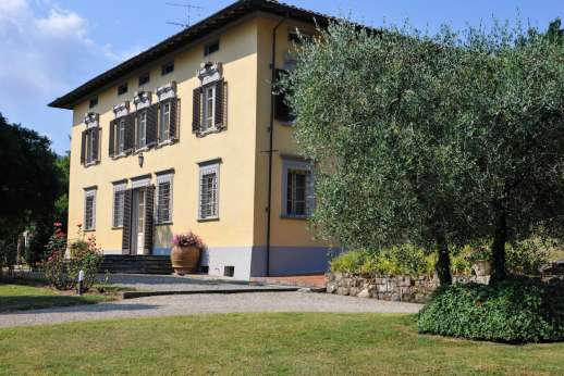 Villa Poggio ai Cipressi - Enjoy the lazy summer evenings in this quaint location.