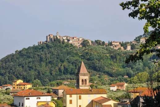 Villa Poggio ai Cipressi - Views over Colle di Compito.