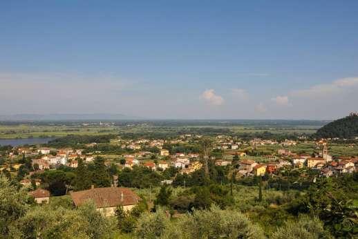 Villa Poggio ai Cipressi - Views stretching across the Lucca valley.