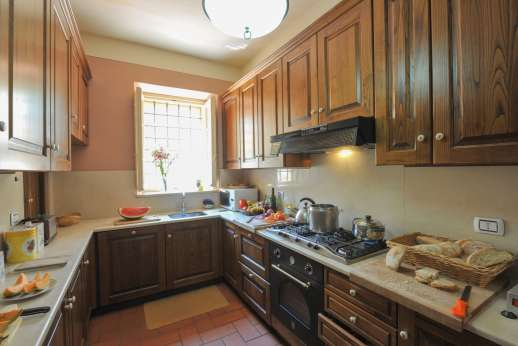Villa Poggio ai Cipressi - Another view of the kitchen