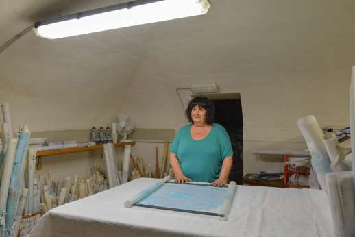 The Artisans of Florence - A participant of the workshop visiting a Florentine artisan in Italy
