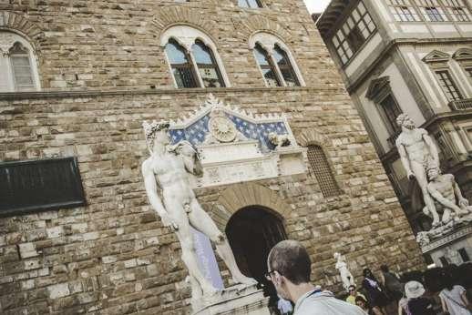 Uffizi & Florentine Squares - A replica of Michelangelo's statue David in Piazza della Signoria