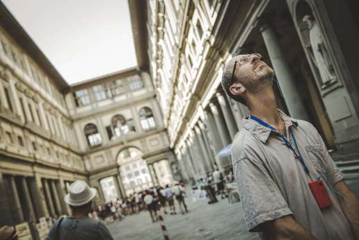 Uffizi & Florentine Squares - Taking the time to appreciate the architecture of the Uffizi Gallery