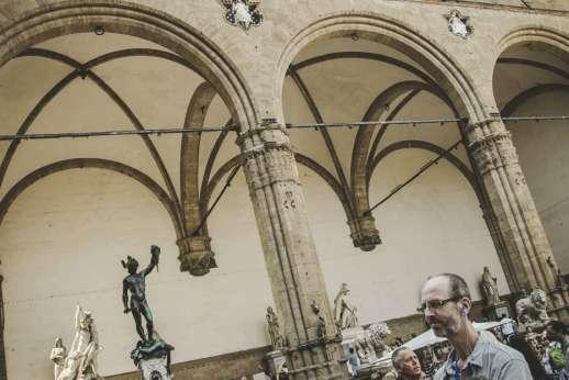 Uffizi & Florentine Squares - Enjoying Piazza della Signoria in Florence