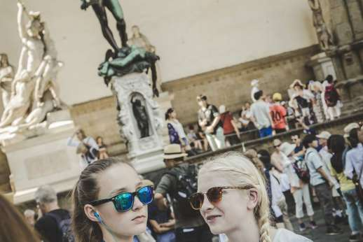 Uffizi & Florentine Squares - Young people sightseeing in Uffizi