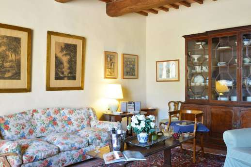 Podere San Carlo - Another view of the sitting room.