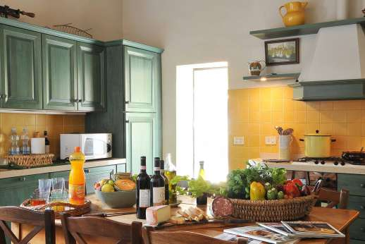 Podere San Carlo - Well equipped kitchen.