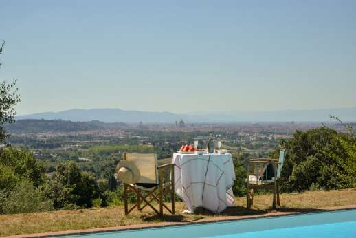 Il Nido del Picchio - View of Florence from the pool